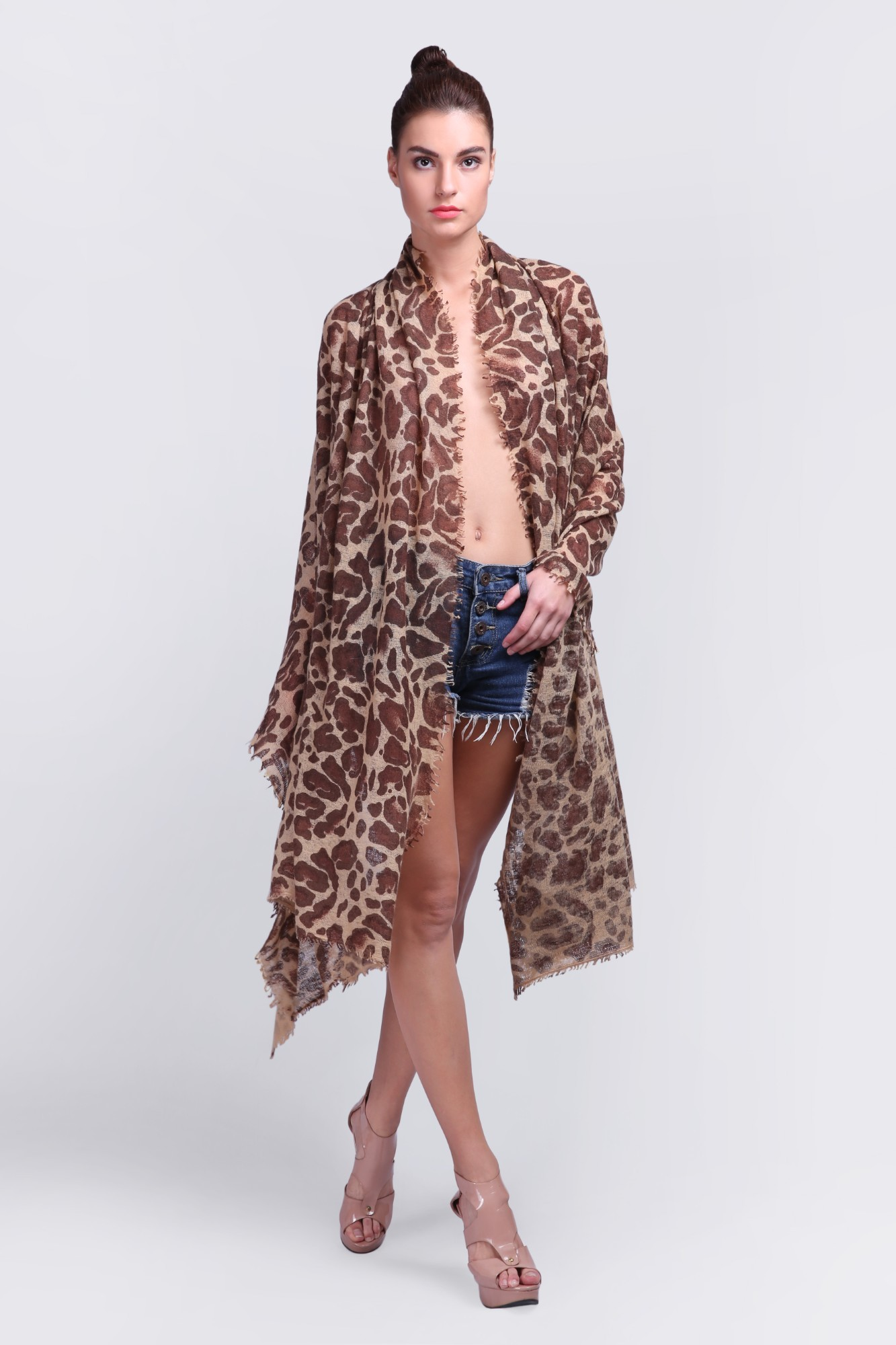 Classic Knitted Thick Cashmere Scarf with Print - VS 11832 Brown