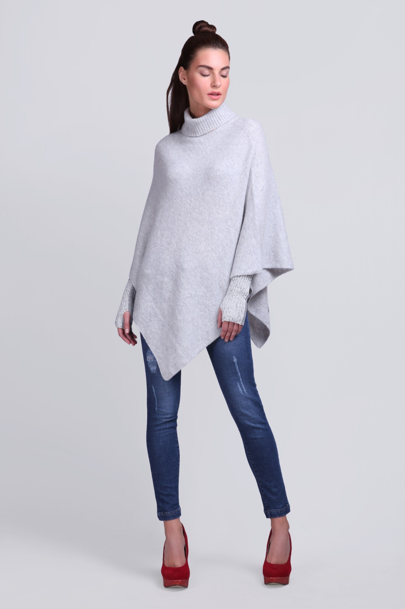 Knitted Handcrafted Fleece Ponchu - VS 12431A Lt.Grey