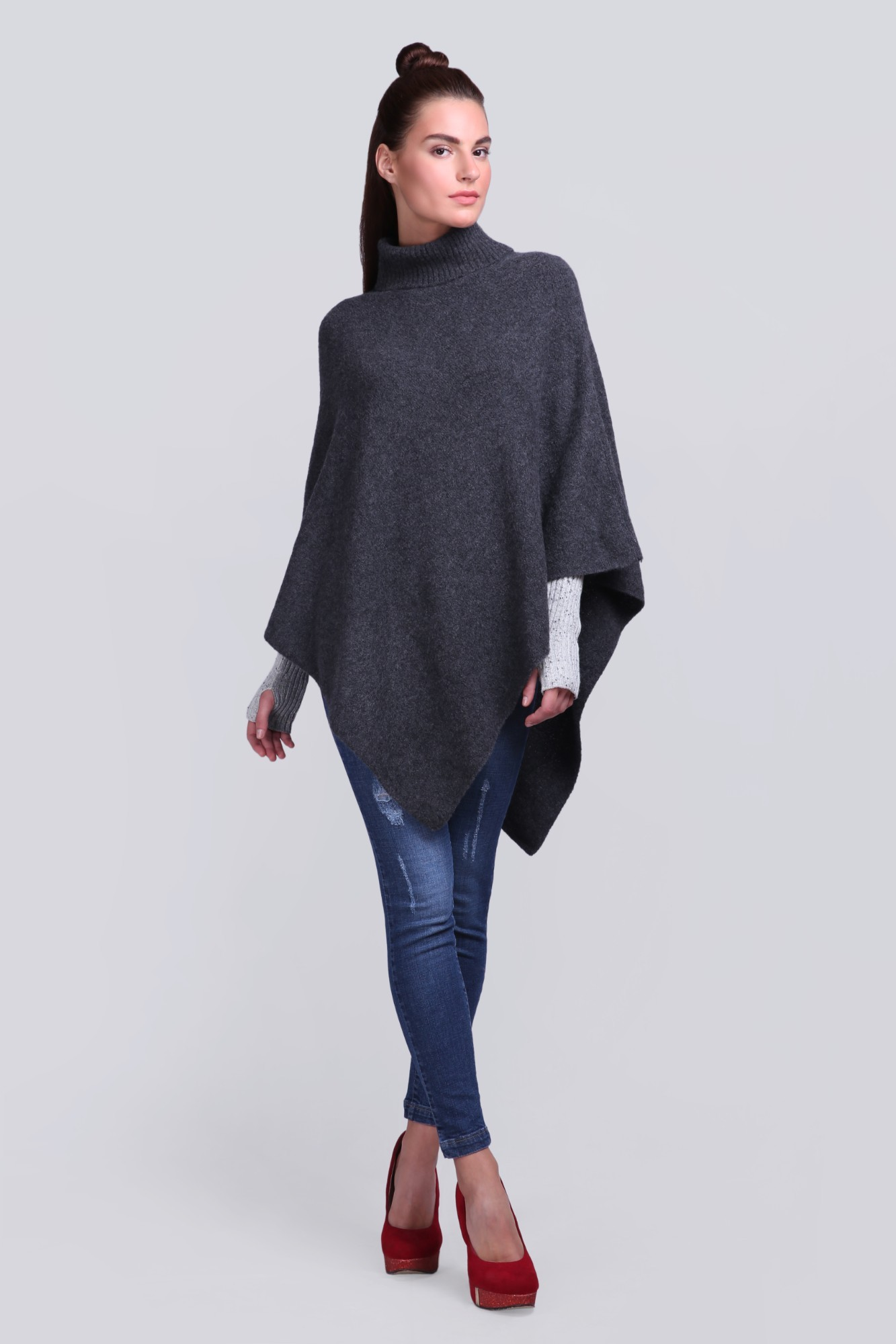 Knitted Handcrafted Fleece Ponchu - VS 12431A Charcoal