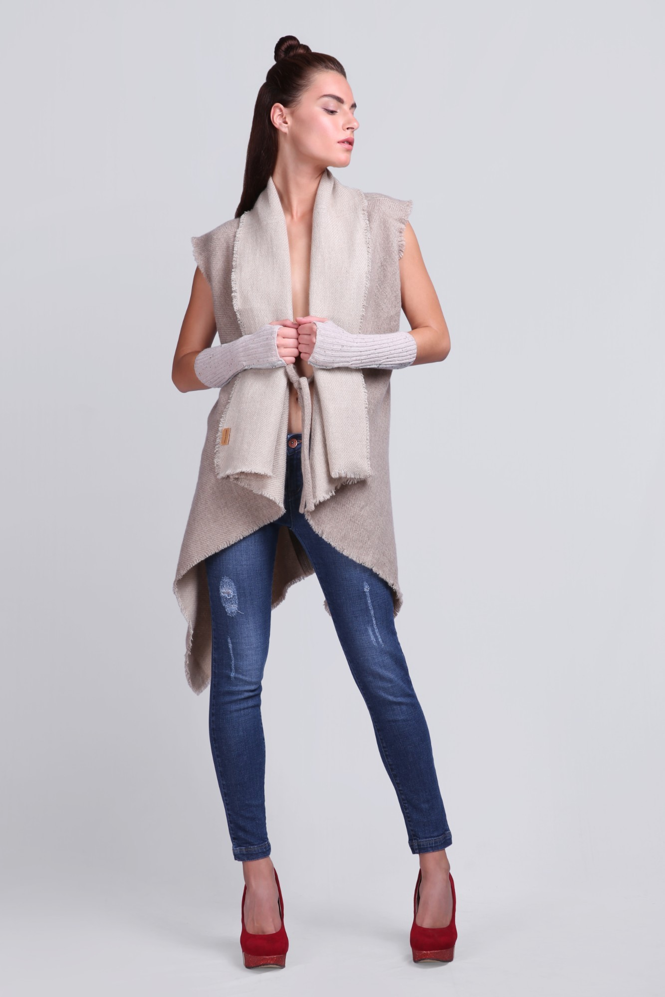 Handcrafted Cashmere Reversible Burberry Poncho - VS 12086 Beige